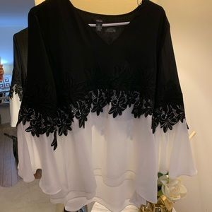 Black and white flowy top